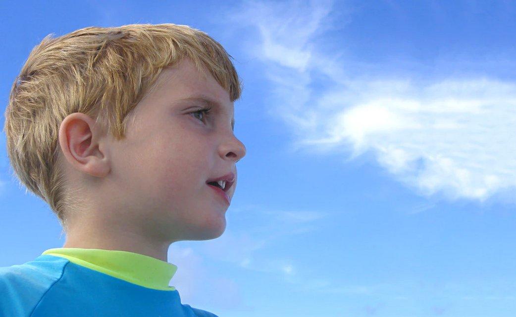 Child possibly with autism spectrum disorder (ASD), Src: Ben Hershey @Unsplash